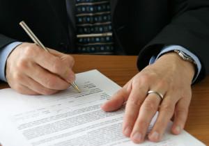 Die Ankündigung zur Mietminderung erfolgt im Zusammenhang mit der Mangelanzeige beim Vermieter.