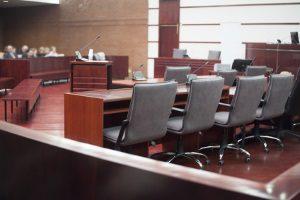 Ein Anwalt für Mietrecht, der in Deutschland eine Kanzlei betreibt, kann Sie u. a. bei der Mietminderung unterstützen.