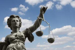 Deutsches Mietrecht umfasst alle Gesetze, welche die Rechte und Pflichten vom Vermieter und vom Mieter beschreiben.