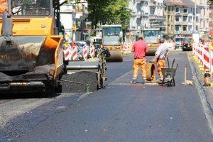 Ein Mietminderung wegen Straßenbauarbeiten ist unter Umständen möglich.