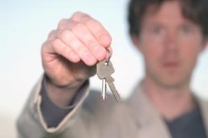 Mietminderung bezüglich der Tür: Auch eine Haustür sollte, mindestens nachts, abschließbar sein.
