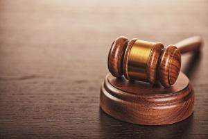 Verstöße gegen die Mietpreisbremse können eine Klage nach sich ziehen.