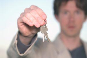 Im Mietrecht ist die Wohnungsübergabe mit einigen Hindernissen behaftet.