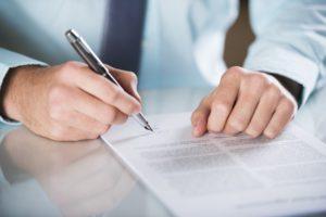 Ist im Mietvertrag eine Mietminderung ausgeschlossen, sollten Sie auf einige Aspekte achten.
