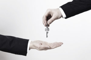 Der Vermieter darf im Mietvertrag die Mietminderung nicht ausschließen.